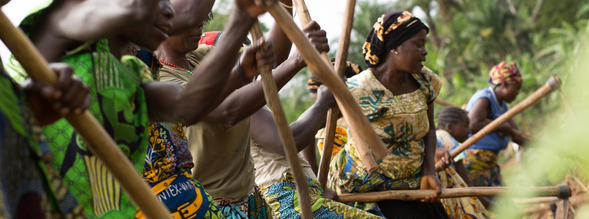 Donne del progetto di microcredito dell'associazione SOMAP di Bombombi, R.D. del Congo