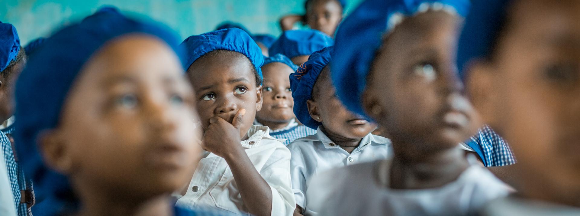 Bambini della scuola materna S. Lucia a Wamba. R. D. del Congo